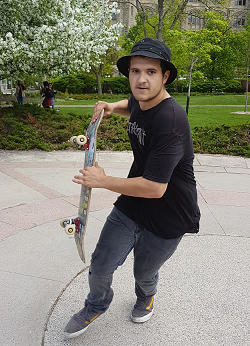 Ottawa Police Service Central Criminal Investigations Unit and Crime Stoppers are looking to identify a male suspect involved in an assault. On Tuesday, May 23, 2017 at Majors Hill Park, […]