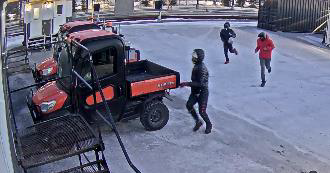 Suspects to identify in an attempted theft of a Kubota